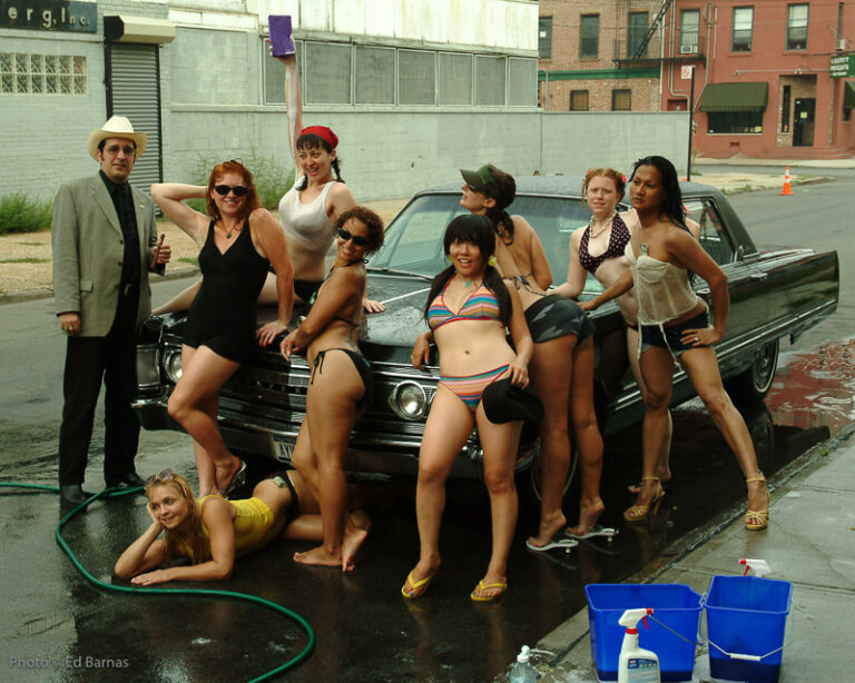 VaVaVoom Burlesque Car Wash for charity, outside Lillie_s in Red Hook, August 2005